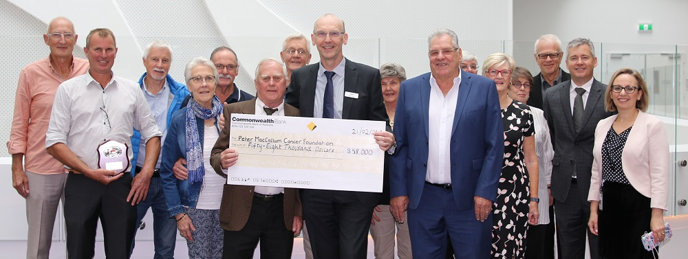 EGAR 2019 cheque presentation cropped 1000